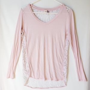 🌲 Pea in The Pod Pink and Lace Maternity shirt